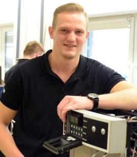 Tobias Redekop macht eine Auszubildung als Automatenfachmann bei Cup&Cino, Hövelhof